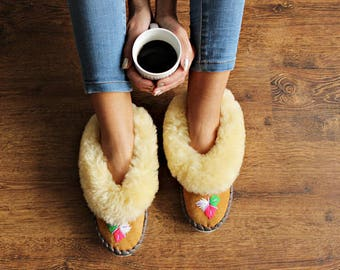 Sheepskin slippers russian fur slippers Women moccasins Warm slippers Leather shoes embroidery
