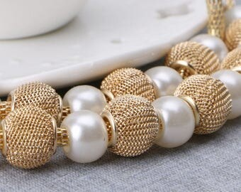 Gold Mesh and Pearls Necklace