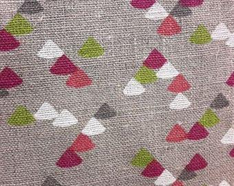 50cm x 140cm fabric - 100% linen Triangles