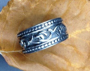 Original stainless steel ring band.