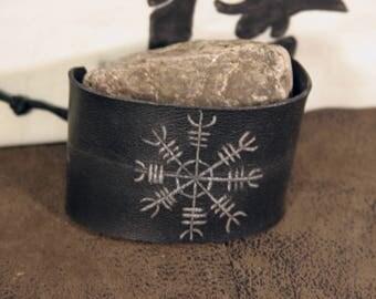 Wrist strength viking helm of terror (Aegishalmur), invincibility.