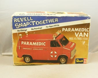 Revell Snap together Chevrolet Paramedic Van - FREE SHIPPING - from 1976