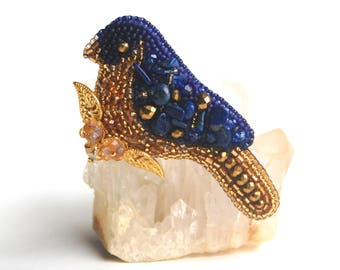 Lapis lazuli bird brooch, bead embroidered brooch, blue bird brooch, lapis lazuli jewelry, embroidered jewelry, royal blue and gold, beaded