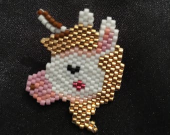 Unicorn head pin