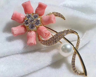 Stunning Limited Hand Carved Pink Mother of Pearl Vintage Brooch With Natural White Genuine Freshwater Pearl & Cubic Zirconia in Gold Plated