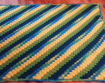 Blue green waves with sunshine twin blanket
