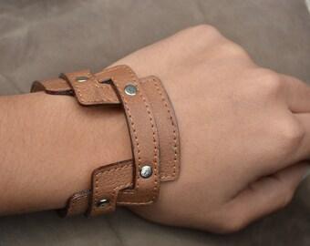 Modern shape handmade bracelet