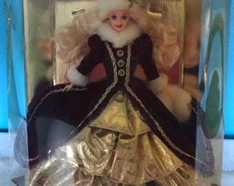 Holiday Barbie (1996) -- NRFB -- Never Removed from Box