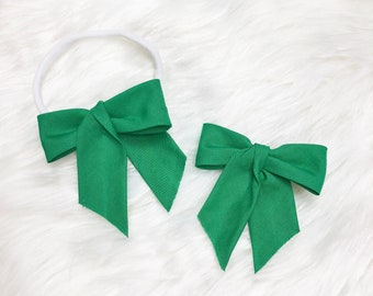 Richelle Bow Green / Cotton Bow / Green Bow / Baby Girl Gift / Baby Bow / Girls Bow / Baby Gift / Girl Gift / St Pattys Day Bow