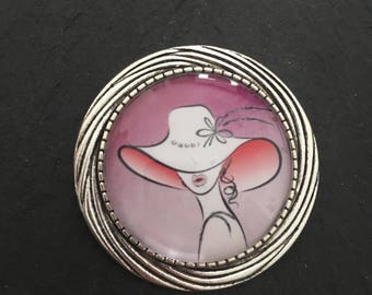 """Brooch """"woman with hat"""""""