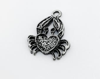 Pendant, silver plated, crab, cancer. 23 x 18 mm. F 2.5. 4 pieces. CH007