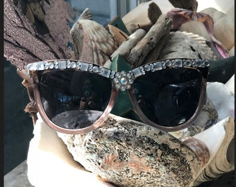 One of a kind, leopard arms, mauve frame, flower bling