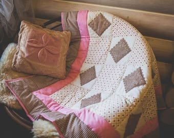Gift,Beige,Handmade,Patchwork,Quilt Modern,Blanket,Cozy home,Interior,Provense,Homemade,Delicate,Lace,Decor,Color,Pink,A warm blanket