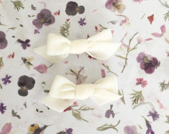 Velvety White Pigtail Bows Set