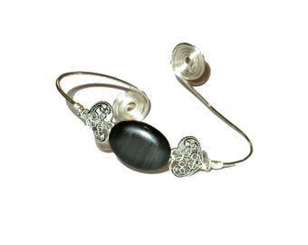 Silver upper arm bracelet, armlet with black gemstone.