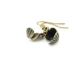 Ocean Clam Antique Gold Earrings