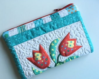 Quilted Zipper Pouch - Red and Aqua - Tulip Print, Lined, Quiltsy Handmade, PamelaQuilts, cosmetic bag, purse organizer, clutch bag