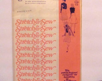 Stretch and Sew Misses' Gored Skirts Pattern 425