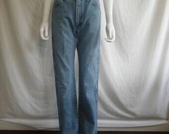 Closing shop SALE 40% off Women's Wrangler Jeans W Waist 28 (7X34)     womens high waist jeans