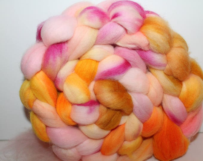 Kettle Dyed Merino Wool Top. Super fine. 19 micron  Soft and easy to spin. 4oz  Braid. Spin. Felt. Roving. M263