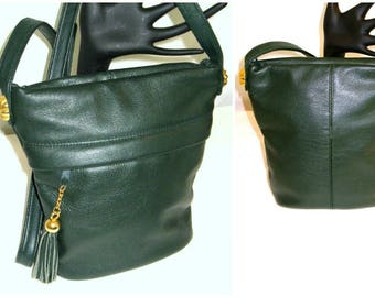 Vtg 80sFringe Green Pebbled Leather Cross body Bucket  Bag