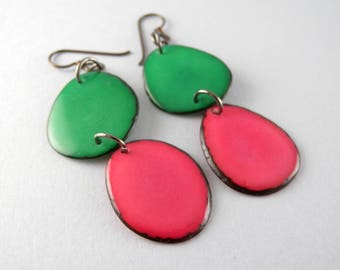 Kelly Green and Pretty Pink Tagua Nut Eco Friendly Earrings with Free USA Shipping #taguanut #ecofriendlyjewelry