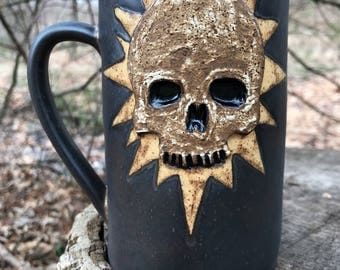 Black Star Skull Mug in Matt Gold