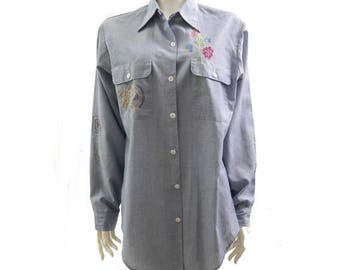 Summer Sale Vintage 70s Chambray Embroidered Shirt// Denim Shirt//Hippie Floral Embroidered Shirt //Size L// 153