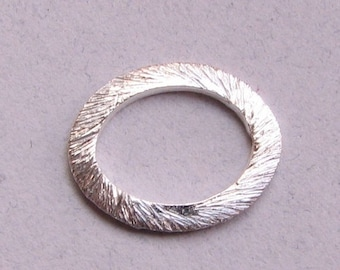 SHOP SALE 12mm Oval Shaped Bali Bright Sterling Silver Brushed Line Texture Loop Connector Eternity Rings Links (4 beads)