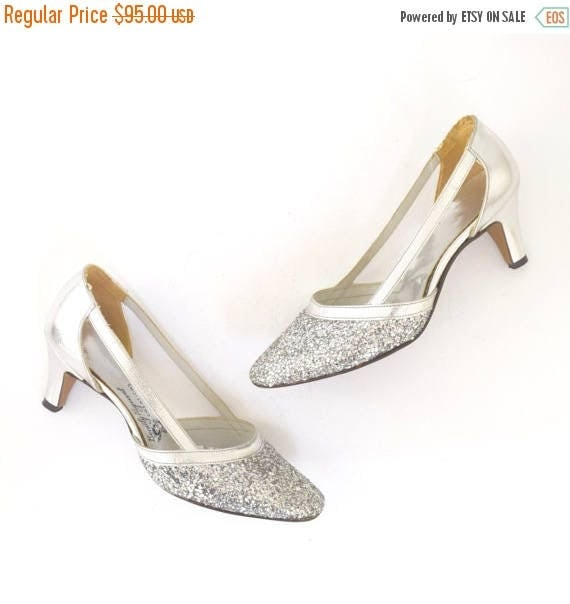 SUMMER SALE / 20% off Vintage 60s Sparkly Metallic Silver Leather Cut Out Pumps