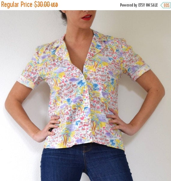SUMMER SALE / 20% off Vintage 70s 80s Island Life Novelty Print Short Sleeved Button Down Short Sleeved Cotton Blouse (size small, medium)
