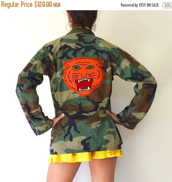 SUMMER SALE / 20% off Vintage 80s 90s Military Camouflage Army Jacket with Chenille Tiger Patch