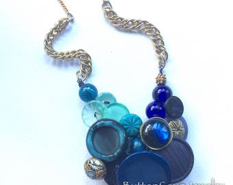 Deep Blue Teal Green Cool Colors Button Necklace