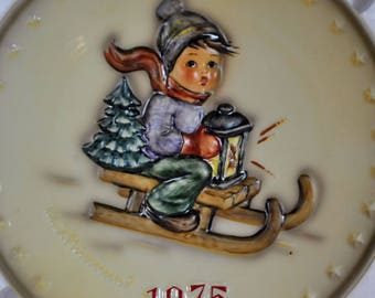 Vintage Hummel Goebel 1975 Annual Ride Into Christmas Bas Relief Porcelain Collectors Plate in Original Box with Paper Work