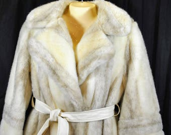 Vintage Central Park Zoo Faux Fur Winter Coat - Creamy White - Arctic Fox - Size Small