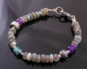 Labradorite Bracelet, Beaded Bracelet with Labradorite, Amethyst and Apatite, Labradorite Jewelry, Gemstone Bracelet, Gem Jewelry