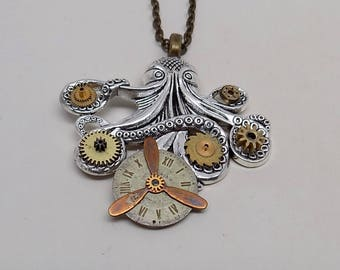 Steampunk octopus necklace pendant. Steampunk jewelry.