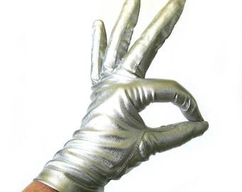 Vintage 1960s SLVER Lamé Gloves / Metallic Silver Evening Gloves / Pin Up Gloves / Silver Driving Gloves / Size S