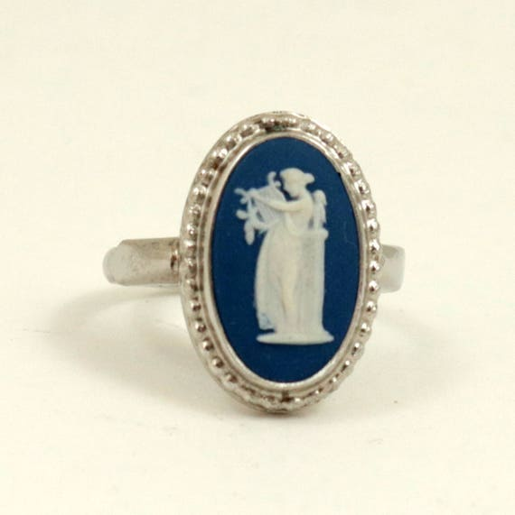 Vintage Wedgwood Sterling Silver Dark Blue Jasper Cameo Ring