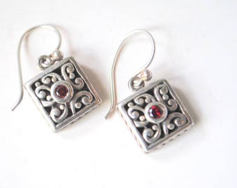 Art nouveau vintage 90s, sterling silver 925 , square shape , ornate earrings with a garnet as a center piece and fishhook. Made by Barse.
