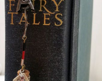 Queen of Hearts Alice in Wonderland Book Club Ribbon Book Mark