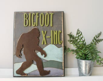 Wooden Wall Sign - Wooden Wall Decor - Wood Sign - Rustic Wood Sign - Rustic Home Decor - Bigfoot Crossing
