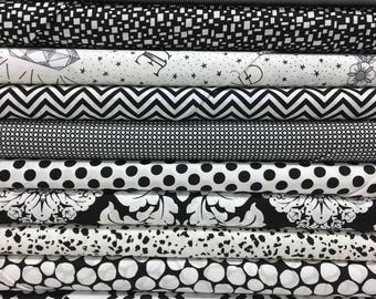 Quilt Sandwich's Color Pack - 10 Fat Quarters - Black and White