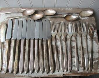 24 pieces silverplate flatware silverware vintage Grosvenor Community Plate mixed lot
