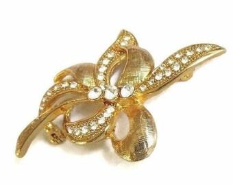 SALE Rhinestone Leaf & Bow Brooch in Gold Tone Vintage
