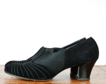 Memorial Weekend Sale - Vintage 1930s Shoes - Sophisticated Embroidered Suede 30s Heels with High Elastic Vamp Size 39 7.5