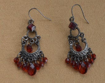 Red Faux Crystal Chandelier Pierced Earrings, Silver tone, Vintage (Q12)