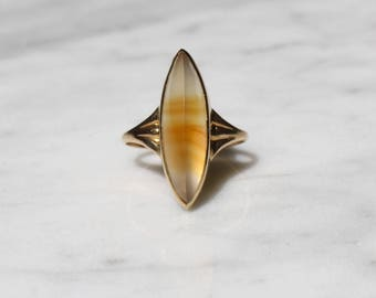 VICTORIAN AGATE NAVETTE antique vintage 10k gold marquis ring size 4.5 circa 1870s