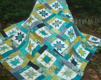 Gray and Teal Chipmunk Star Queen Quilt