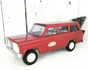Christmas In July - Vintage Red Tonka Station Wagon Toy with Bottle Brush Tree, Christmas Tree Truck, Christmas Lights